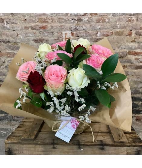 12 Rosas blancas, rojas y rosas