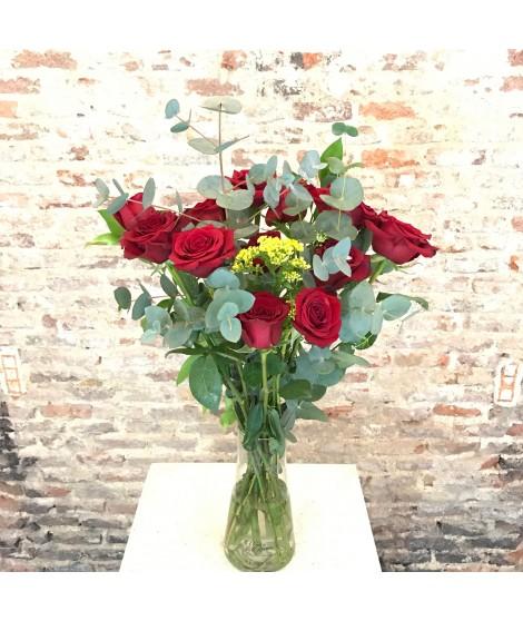 12 rosas + jarrón