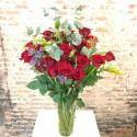 24 rosas con jarrón